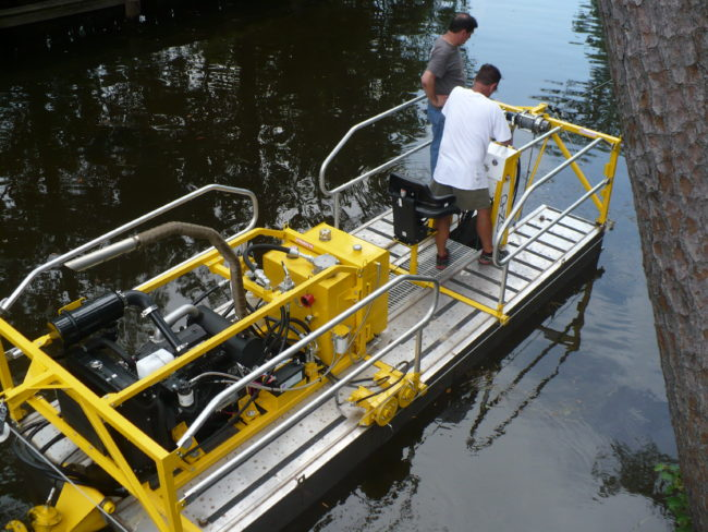 Inlet Dredging with dino six dredge